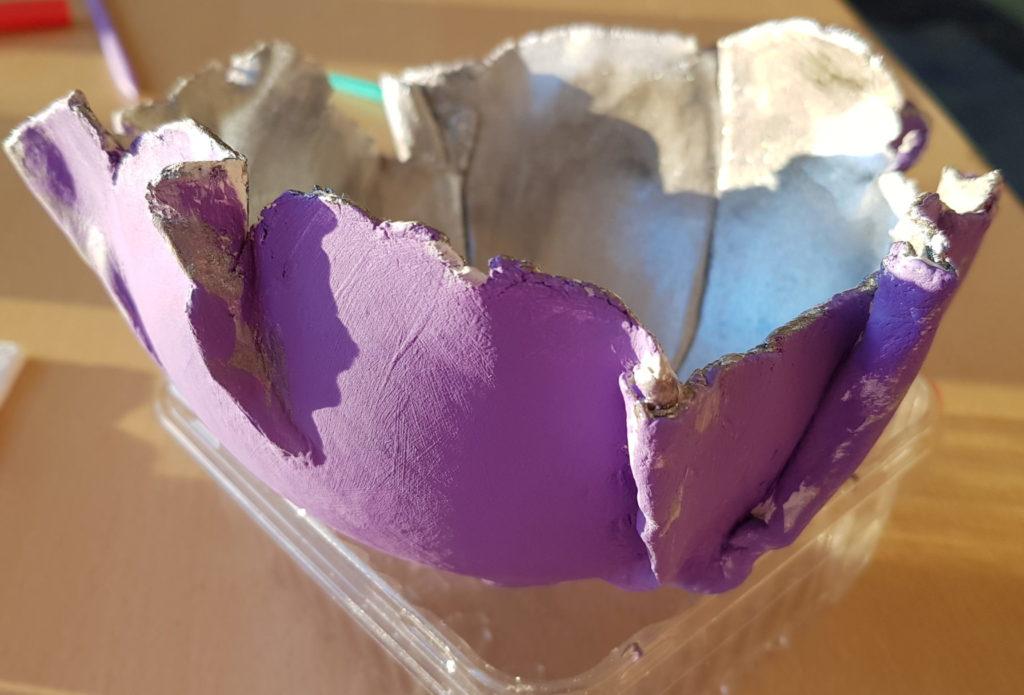 Schale mit Acrylfarben bemalt